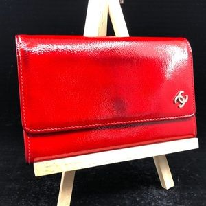 CHANEL RED LEATHER CC LOGO COMPACT BIFOLD WALLET